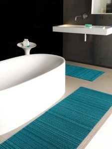 chilewich_-_shag_indoor_outdoor_mats_-_turquoise_skinny_stripe